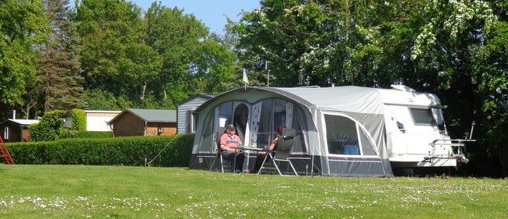 De Boomgraad heeft mooie kampeerplaatsen beschikbaar op de camping.