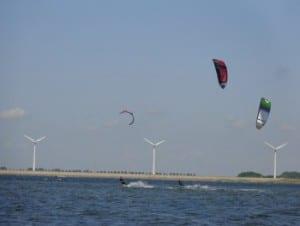 Kitesurf mogelijkheden in Zeeland-Zuid-Holland vlakbij Camping De Lage Werf.