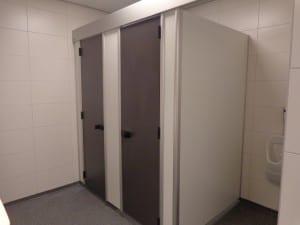 Moderne en schone toiletten bij Camping de Lage Werf.