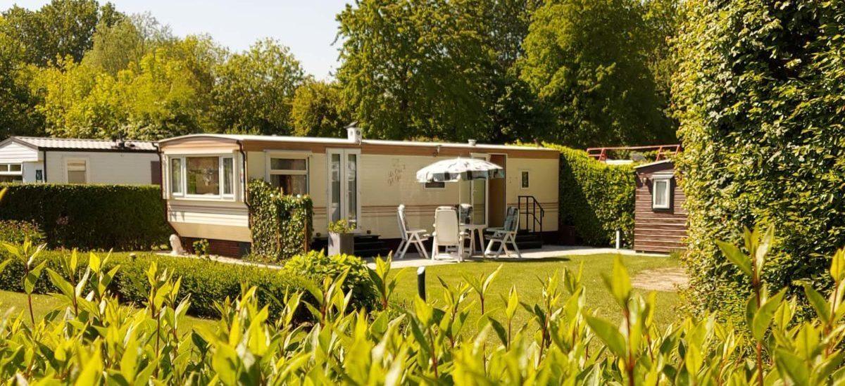 Ga wanneer u maar wilt er even lekker tussenuit op een rustige ruime plek op Camping De Lage Werf.